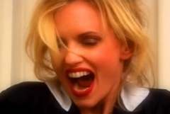 Vip,news, notizie,gossip,gossip italiano,justine mattera,sexy, hot,video,youtube,seno,lato b,